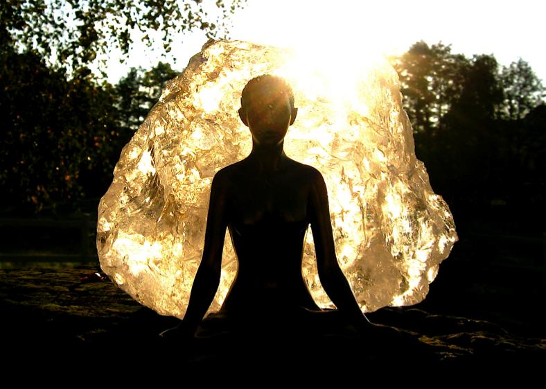meditujici budha ci co